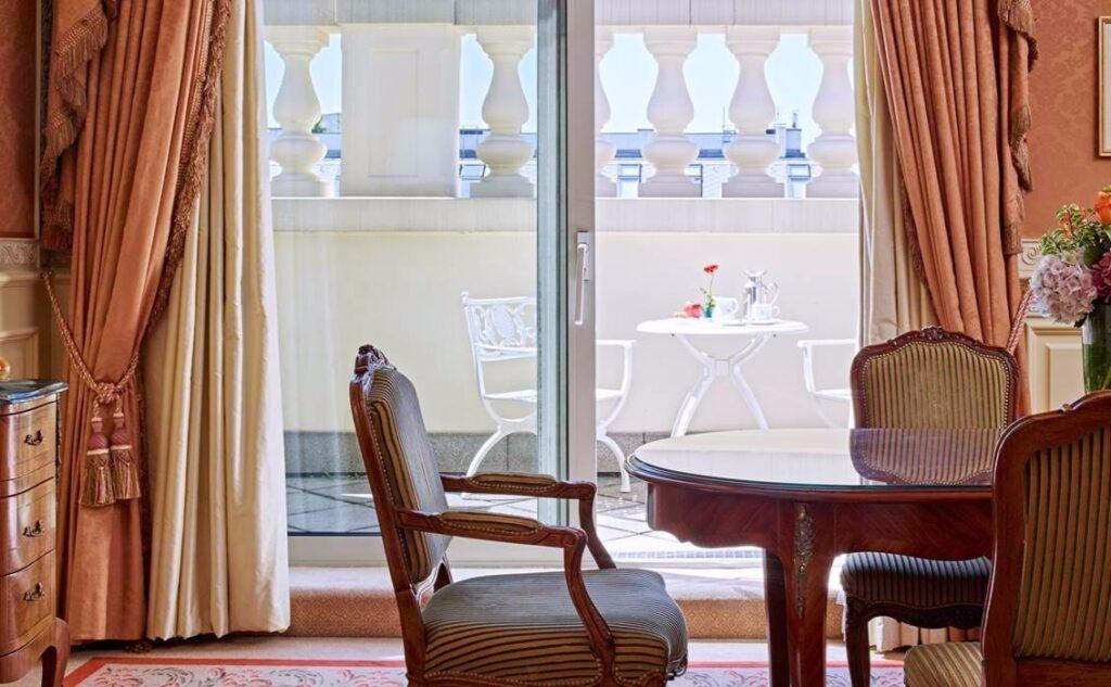 grand_hotel_executive_suite