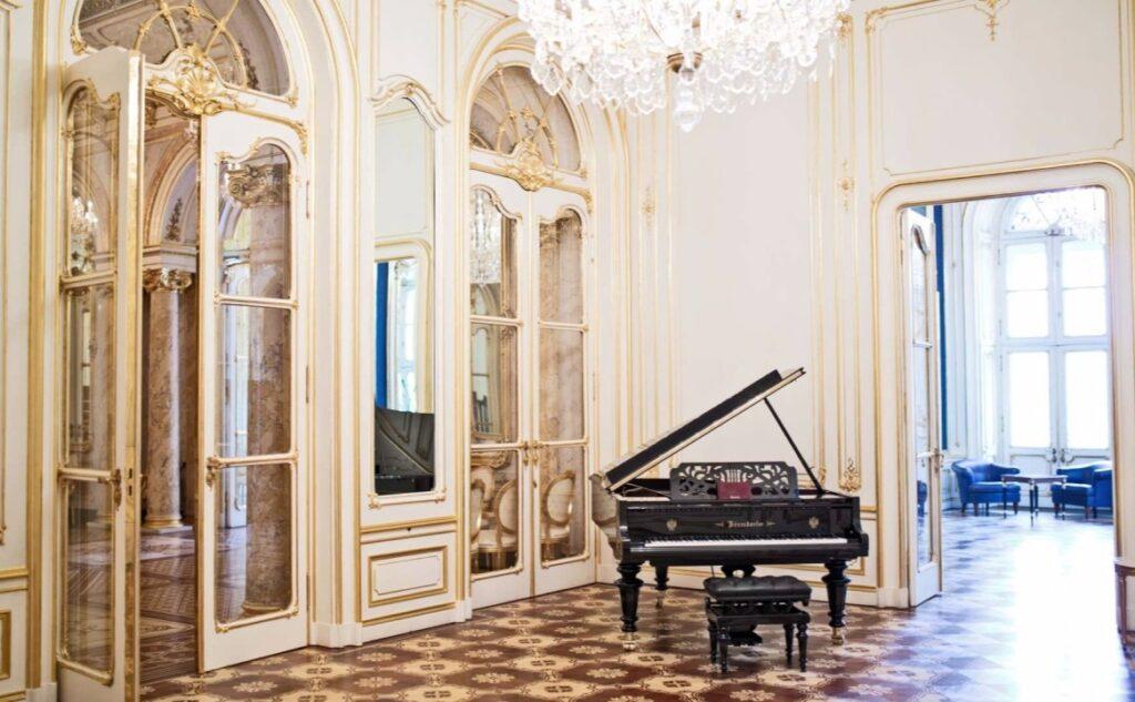 palais_coburg_salon